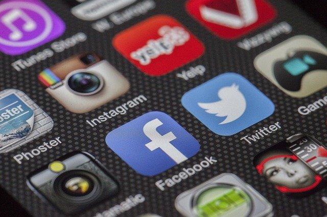 Cara Menjadwal Postingan di Facebook